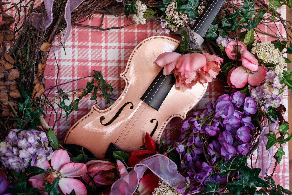 Still life violin and flowers
